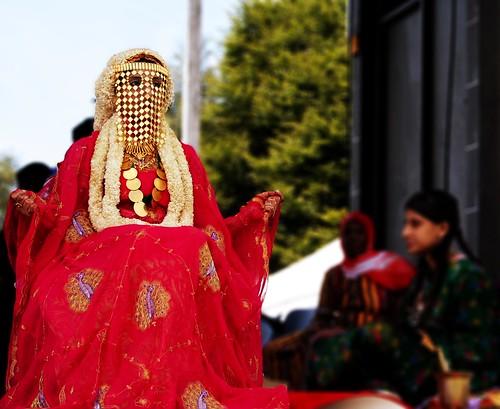 saudi girl dressed in traditional bride dress | greg ari ...