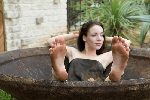 feet soles dirty Girls