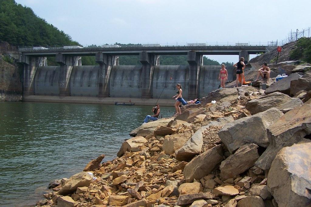 Girls gone fishing carters lake tom robbins flickr for Carters lake fishing report