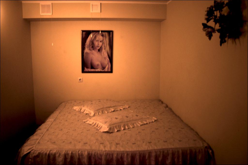 black naked oiled women ass