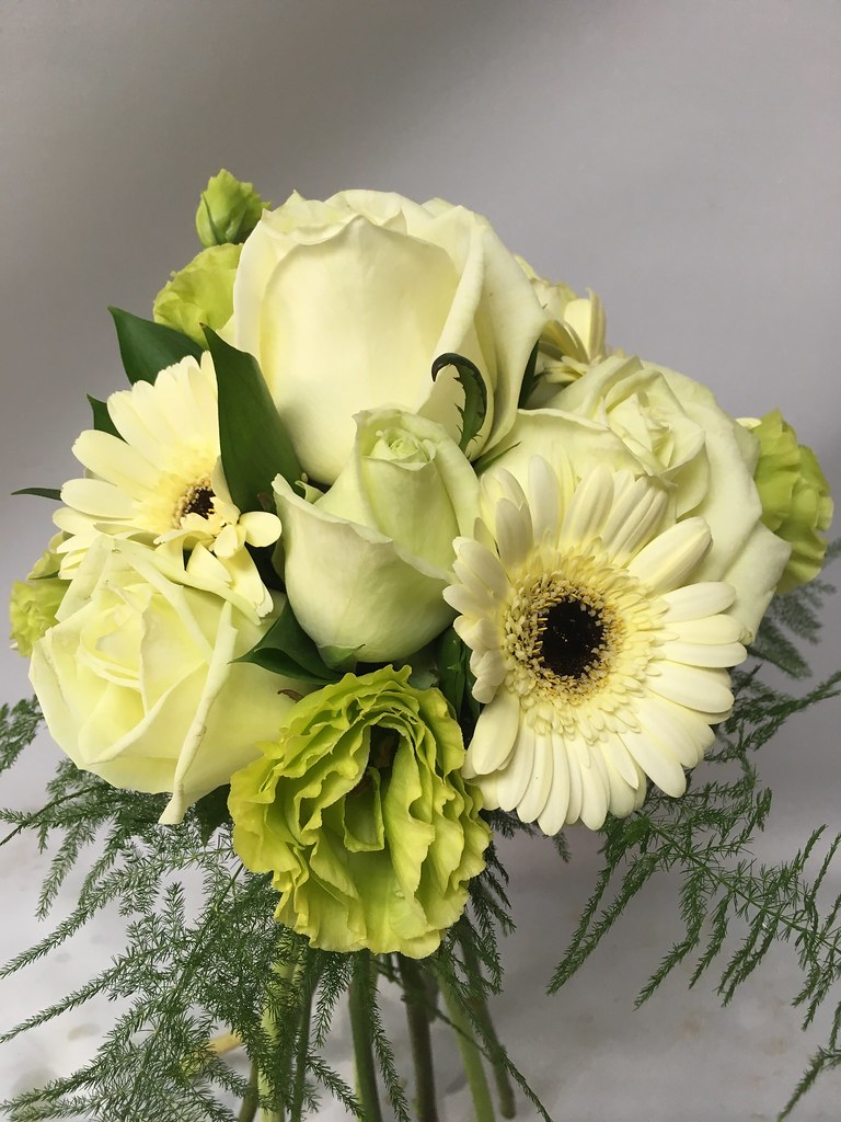 Whites And Greens Flowers By Moonstones Fareham Florist Flickr