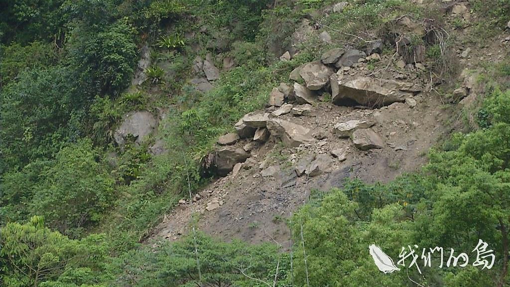 953-2-12s經濟部地質調查所指出,全台目前有230處露營場,位在山崩與地滑地質敏感區,這類地質敏感區。