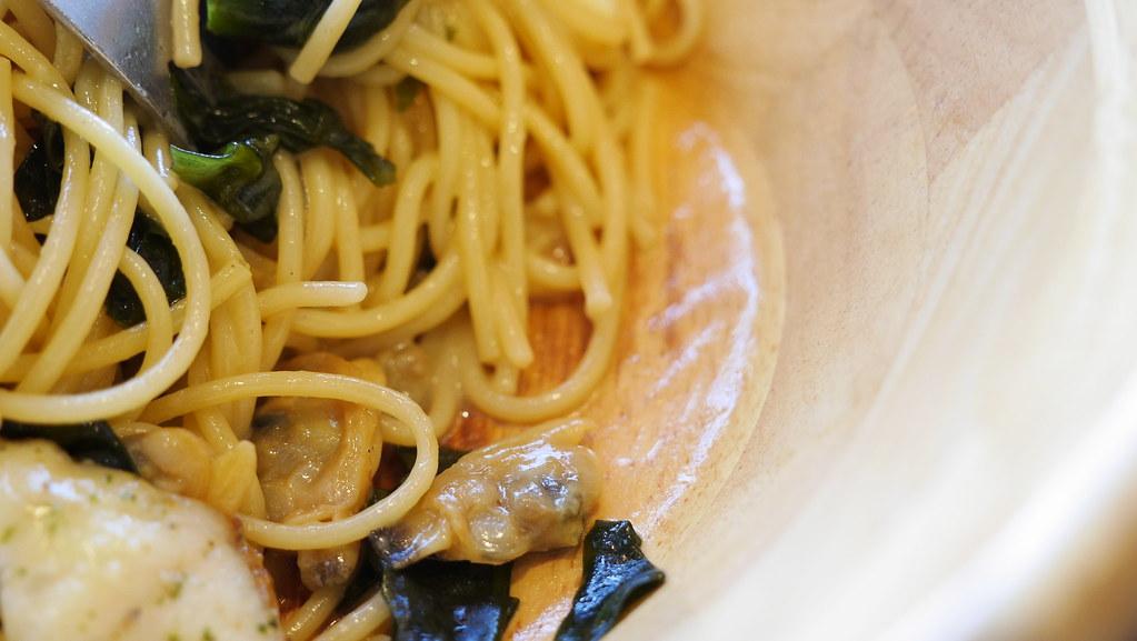 カリっとソテーした 吉和の真鯛の和風スパゲティー