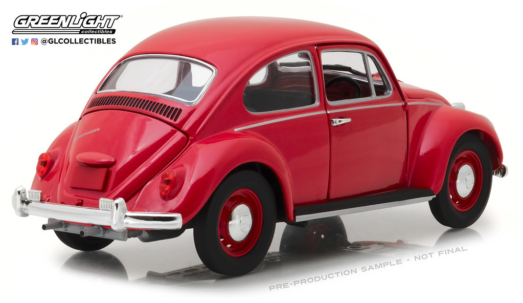 ... 13511 - 1-18 1967 VW Beetle - Right-Hand Drive - Candy Apple