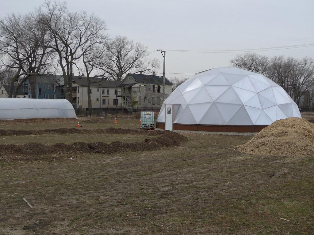 Park 503 community garden greenhouse | E. 90th Street betwee… | Flickr