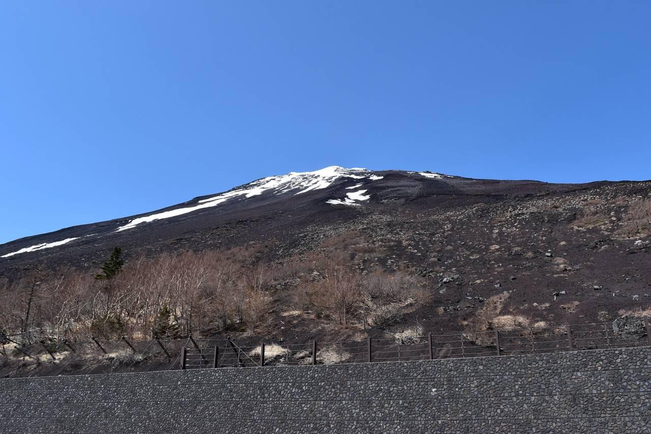 富士宮口五合目から見上げる富士山