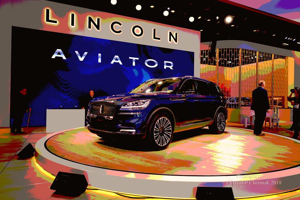 Lincoln Aviator Concept Car With Presenter On Turntab Flickr - Millville car show 2018