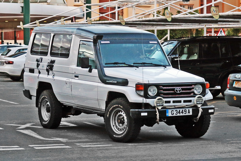 Toyota Land Cruiser J70 >> Toyota Land Cruiser J70 G 3449 A Gibraltar This Toyota Flickr