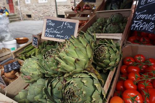 rennes market artichokes