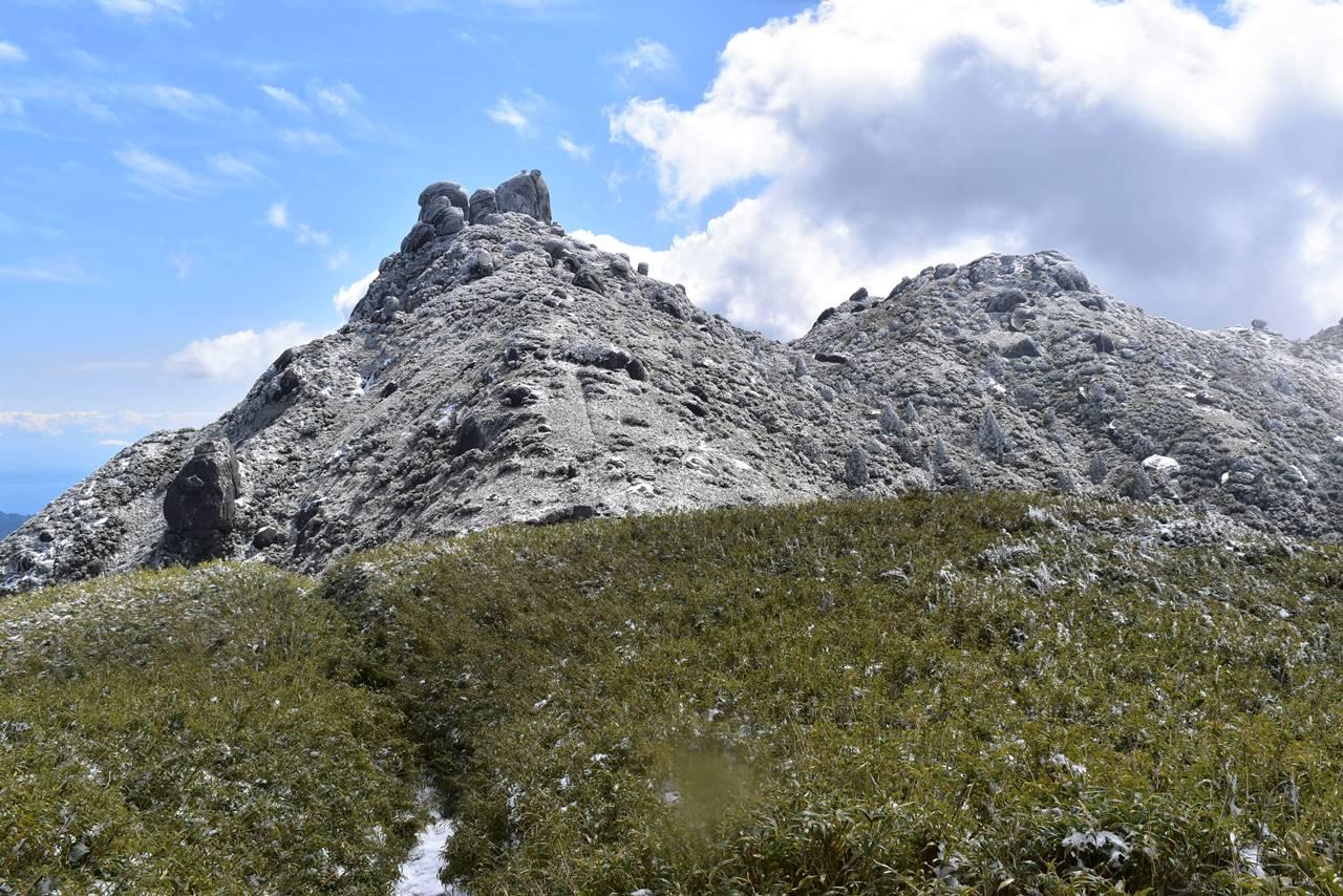 宮之浦岳縦走 雪景色の登山道