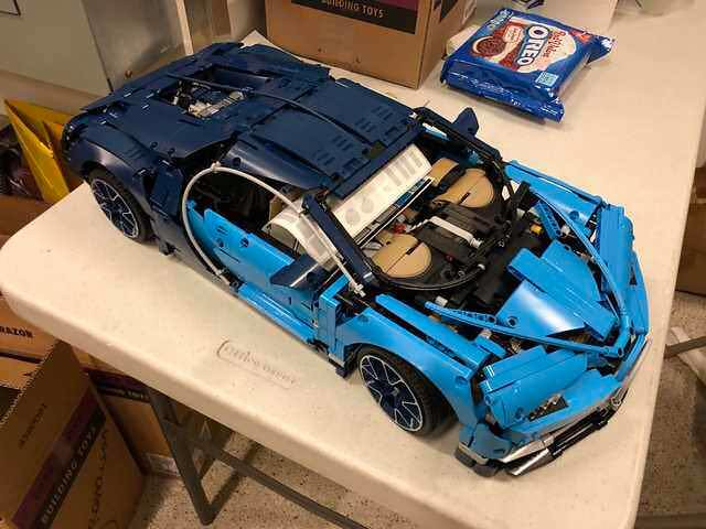 lego technic 42083 bugatti chiron credit lego technic. Black Bedroom Furniture Sets. Home Design Ideas
