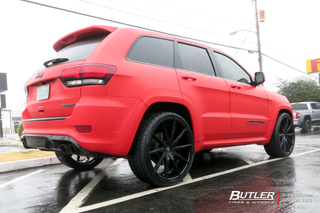jeep grand cherokee trackhawk with 26in lexani css 15 whee. Black Bedroom Furniture Sets. Home Design Ideas