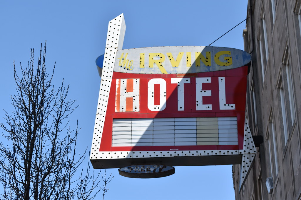 Irving hotel chicago bartshore flickr for Irving hotel chicago