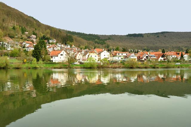 April 2018 - Neckargemünd, Kleingemünd, Neckar, Elsenz, Mündung, Fachwerkhäuser, Villa Menzel, Architektur, Hausdetails, Gaststätten, Stadttor ... Fotos: Brigitte Stolle