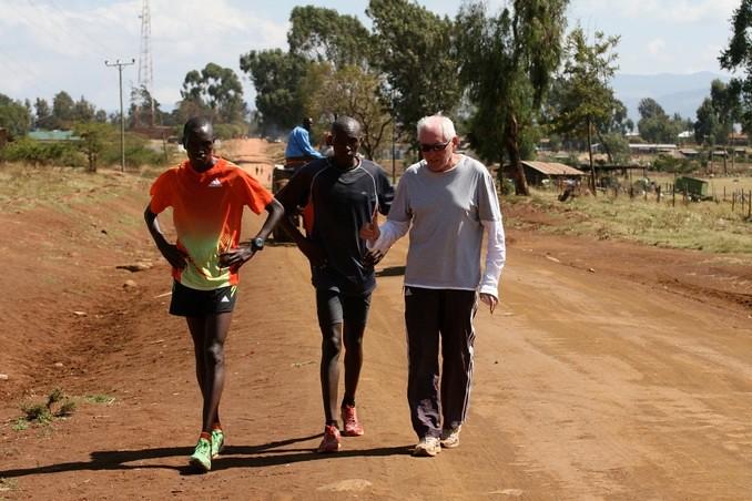 O Renato Canova εν ώρα δράσης στα υψόμετρα της Κένυας!