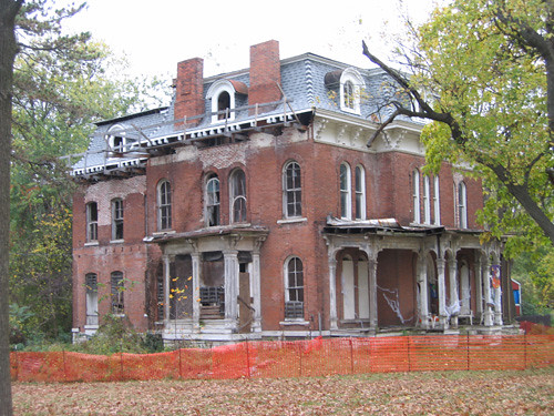 Alton Haunted House Tours