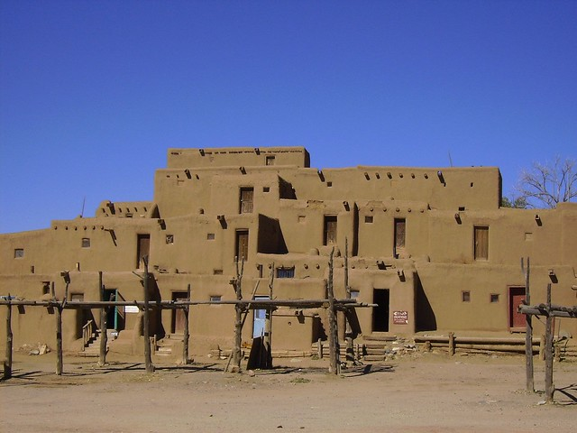 Taos pueblo homes north flickr photo sharing for Pueblo home builders