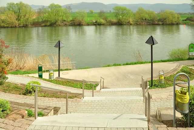 """Rathaus Edingen ... Neckarblick ... Treppenanlage ... """"Amphitheater"""" ... Foto: Brigitte Stolle"""
