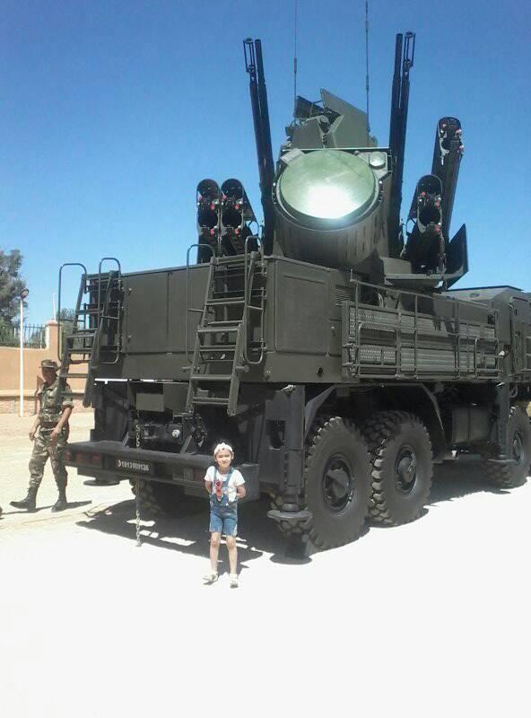 القوات البرية الجزائرية [ Pantsyr-S1 / SA-22 Greyhound ]   41936908305_6ef97cb788_o