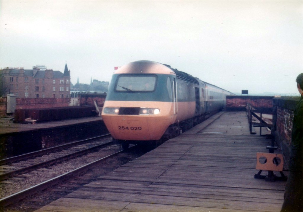 ... 43095 & 43092 Esplanade Dundee   by dhtulyar
