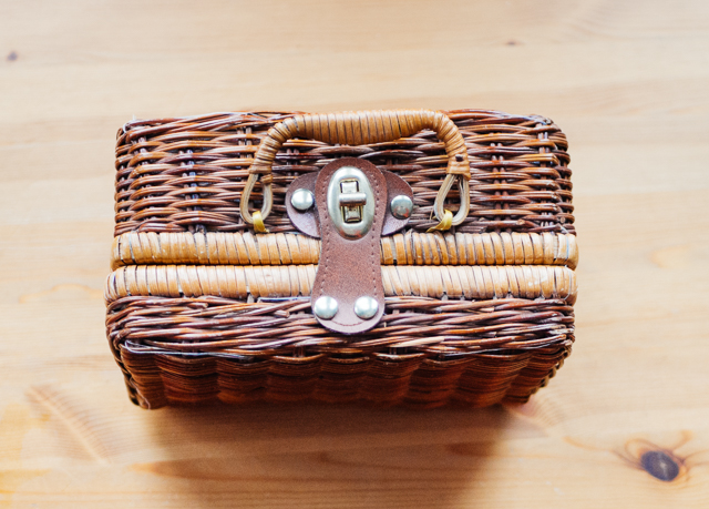 small basket bag