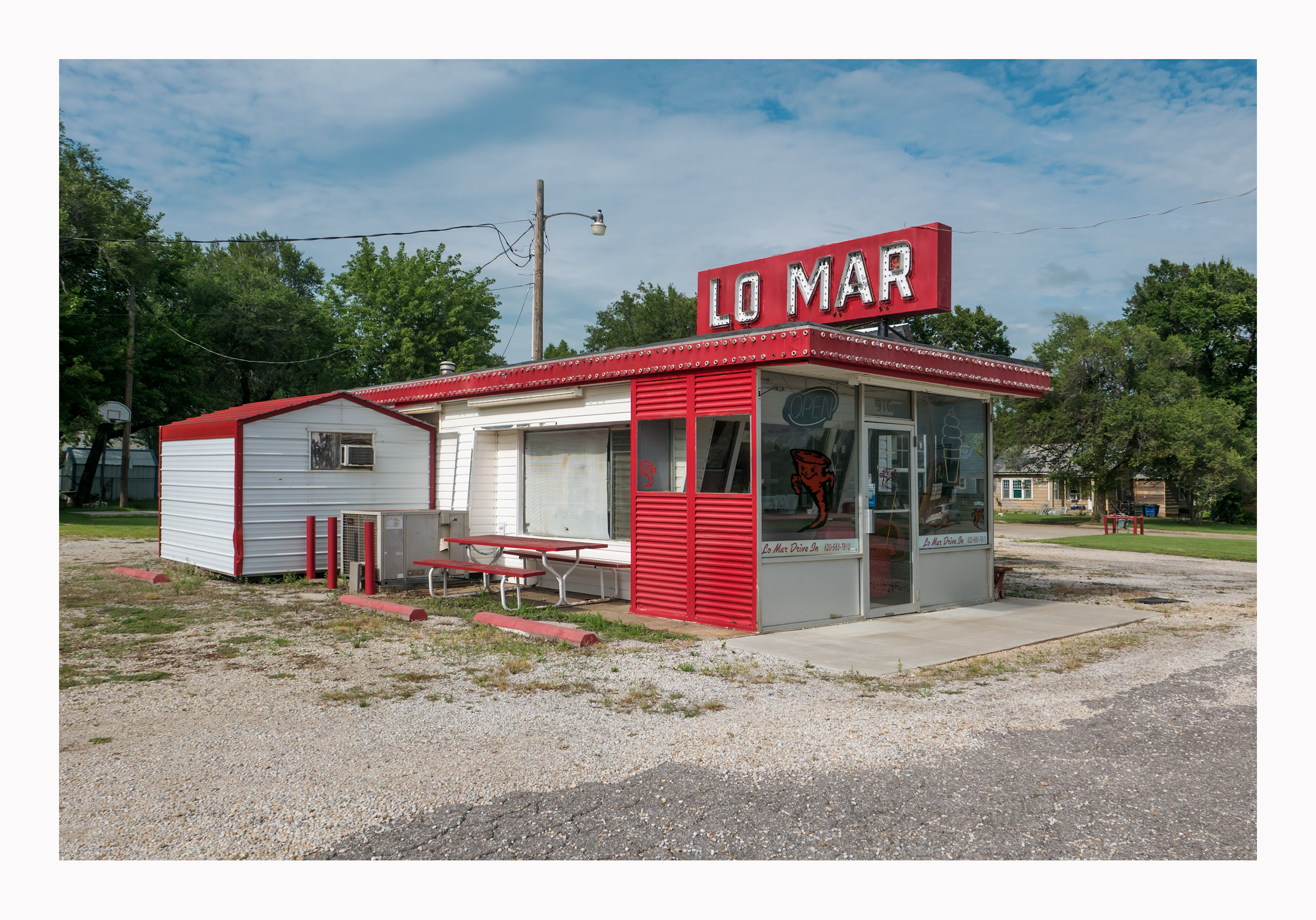Lo Mar Drive In - 916 East River Street, Eureka, Kansas U.S.A. - July 25, 2016
