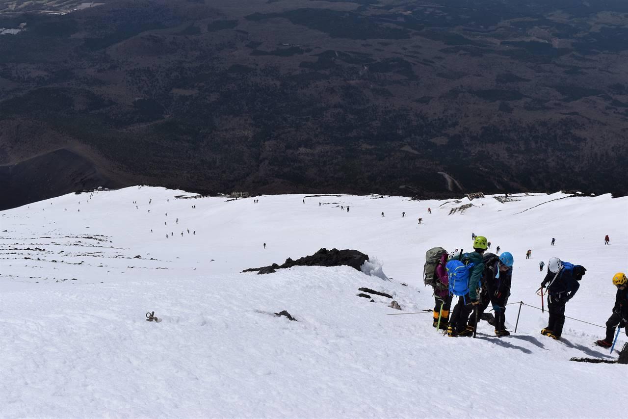 富士山 続々と登ってくる登山者