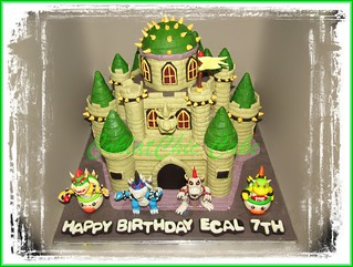 Cake Bowser Castle 2x20 cm | by KevnCealMom