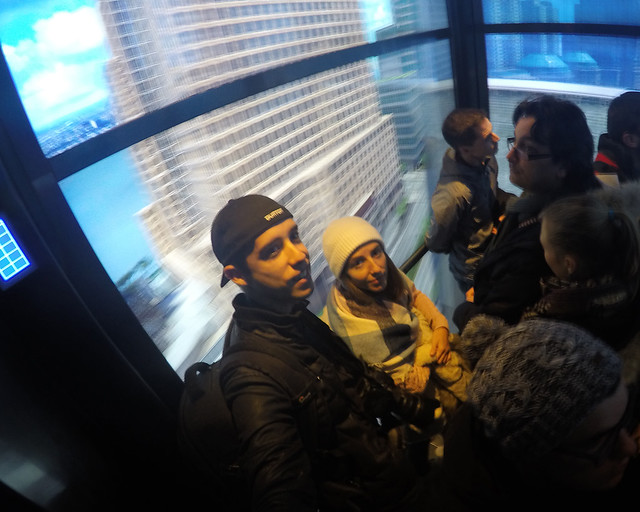 Subiendo en los ascensores del One World Observatory, los Sky Pods