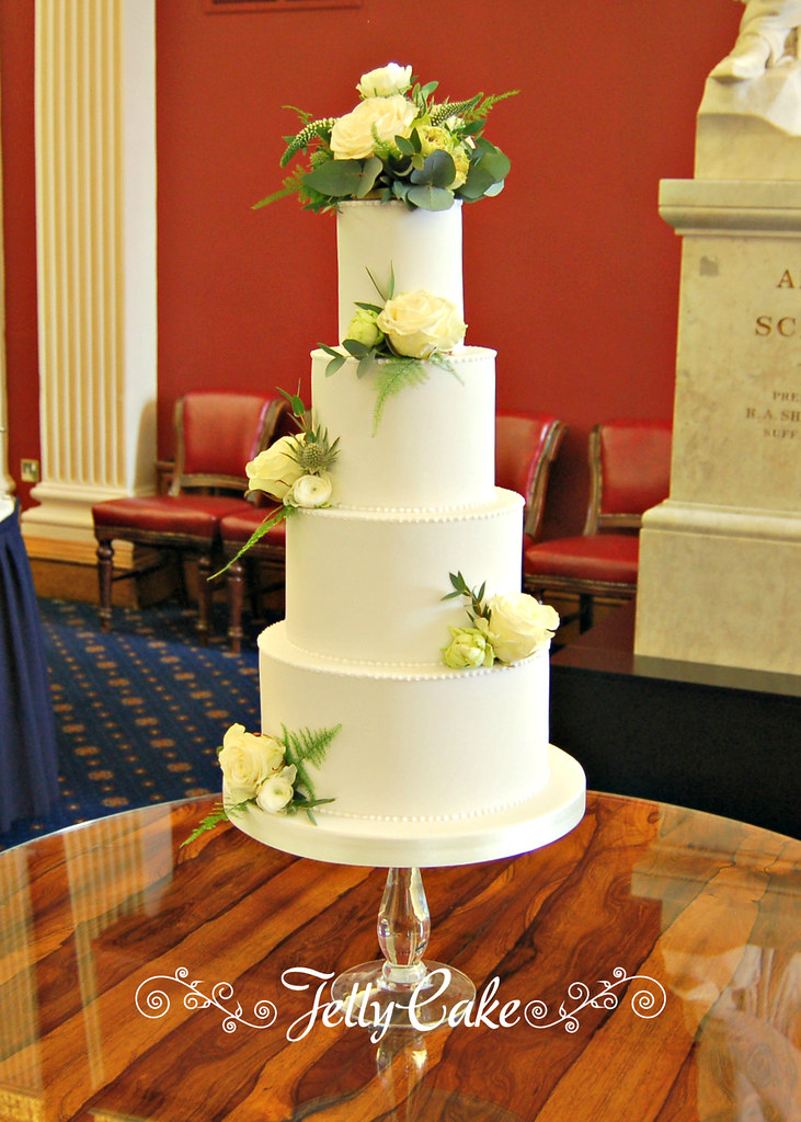 White Piped Wedding Cake | Set up at the stunning Royal Arti… | Flickr