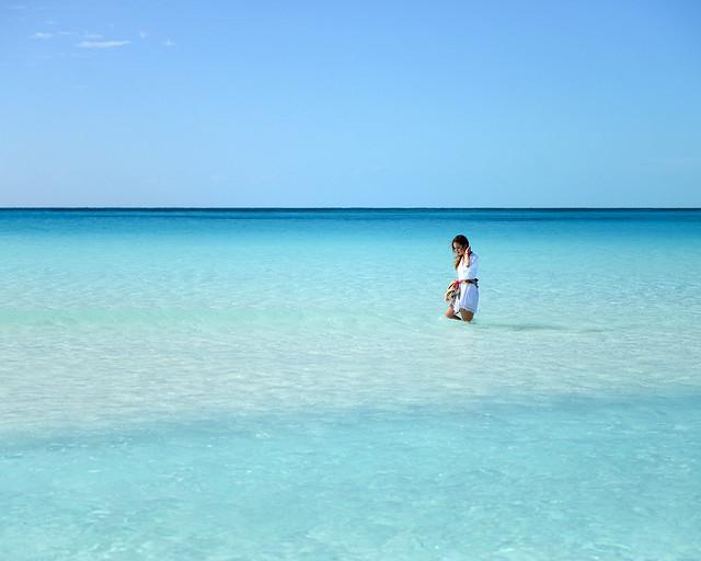 Aguas cristalinas de playa Paraíso, de las mejores playas que ver en Cuba