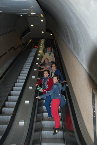 Subiendo a Orvieto por las escaleras mecánicas desde el Parking del Foro Boaio