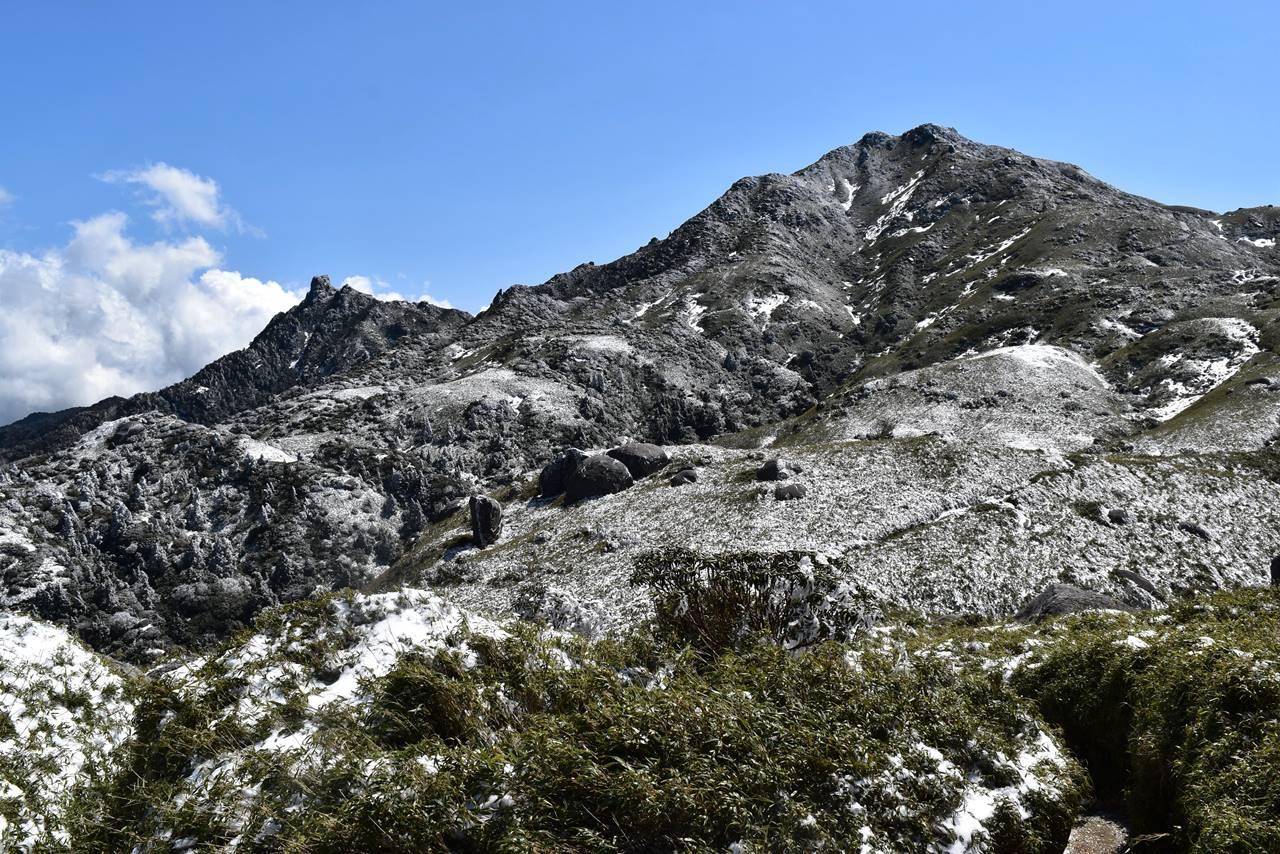 平石岩屋から宮之浦岳の展望