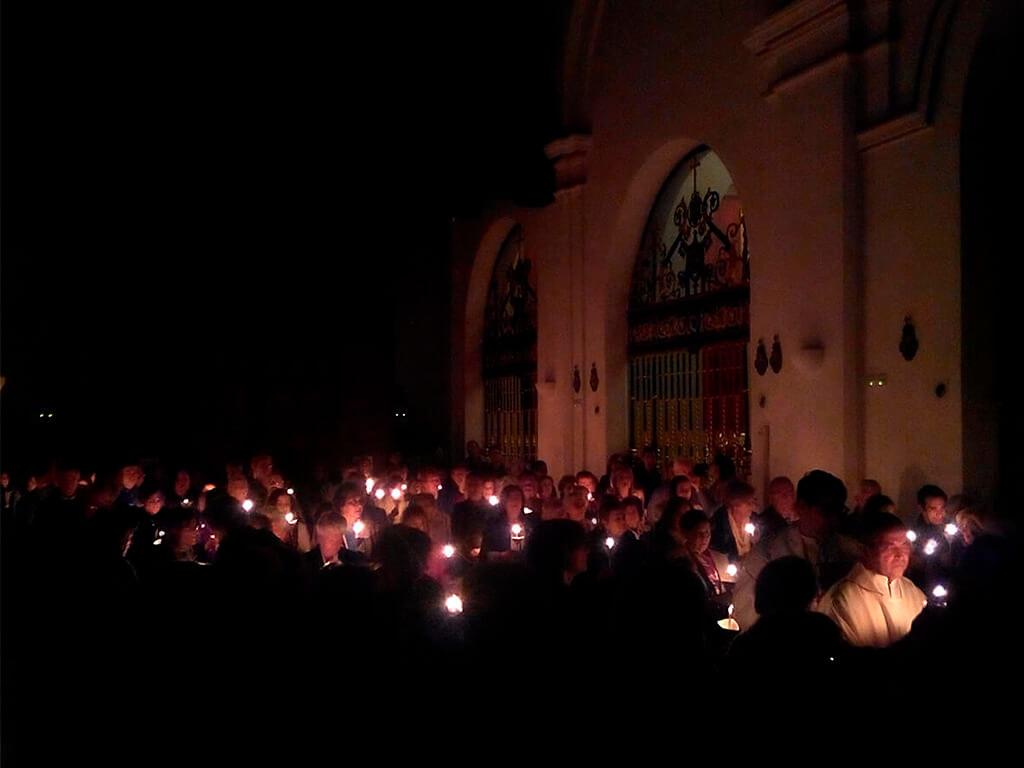 Vigilia Pascual Parroquia San Pedro Apóstol (Málaga)