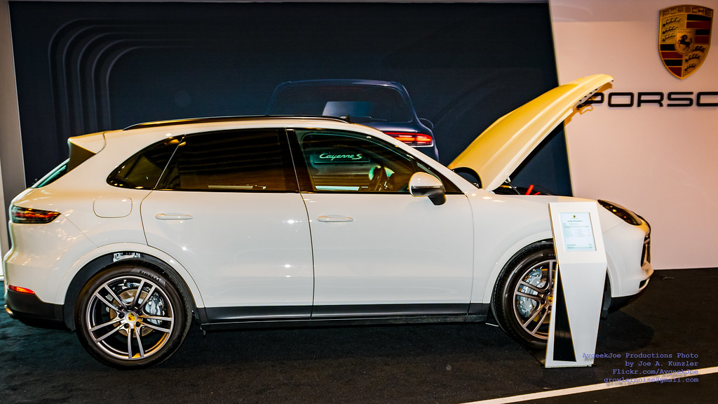 Porsche Cayenne On Display At Vancouver Intl Auto Show Flickr - Car show vancouver 2018