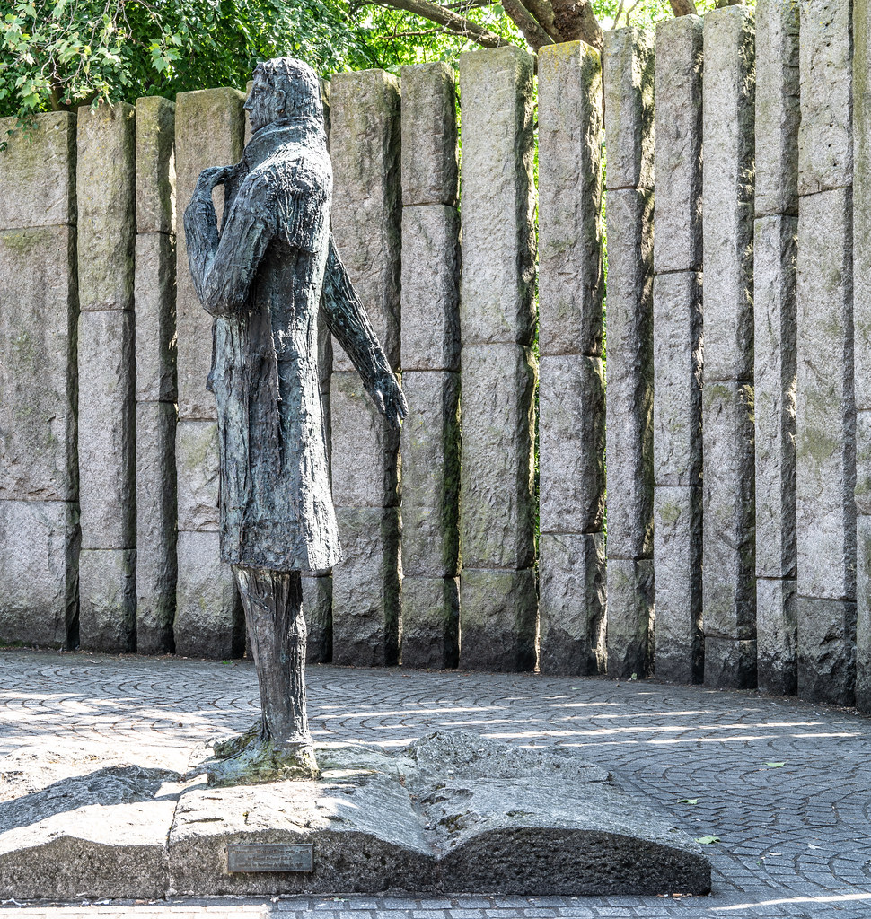 STATUE THOEBALD WOLFE TONE BY NOEL KEATING AND EDDIE DELANEY  005