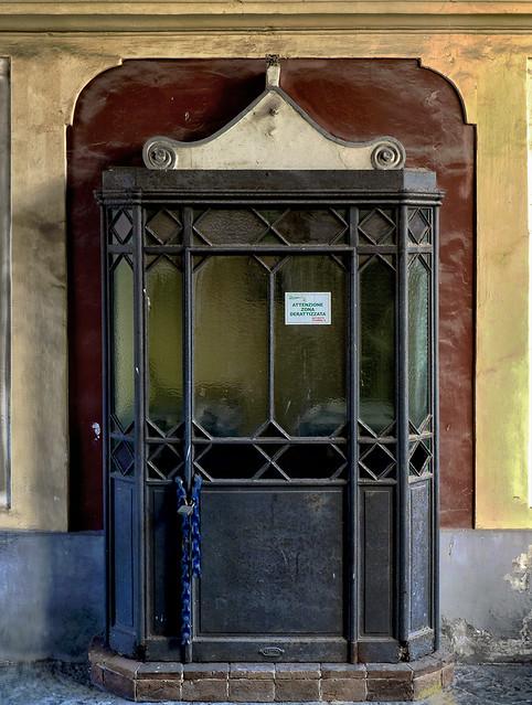 & Doorkeeper | La garitta di Villa Carsana a San Giorgio a Cre\u2026 | Flickr