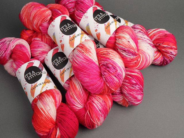 Sweater Pack: Dynamite DK British wool yarn 6 x 100g – 'Look Up At The Stars'