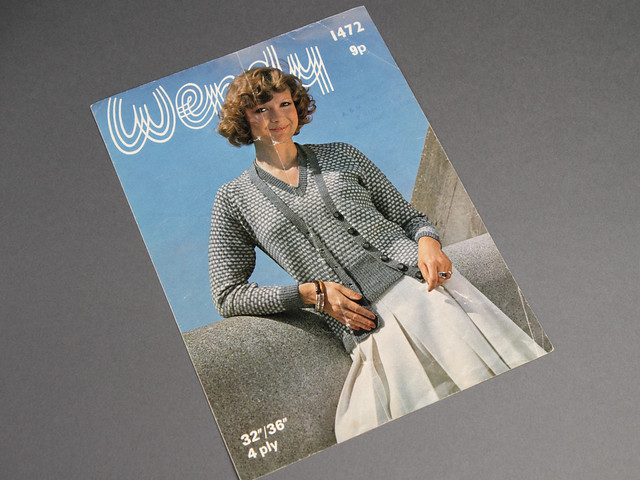 Wendy 1472 Women's Cardigan and Sweater Twinset Vintage Knitting Pattern Leaflet