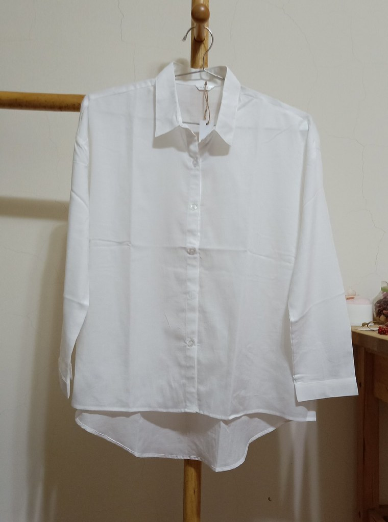 ab4a5693 This shirt is made of 52% organic cotton (GOTS certified) 48% Tencel  breathable cloth, which is best suited for summer wear in Taiwan's weather.