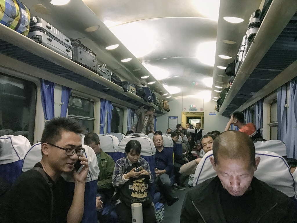 china_train_travel