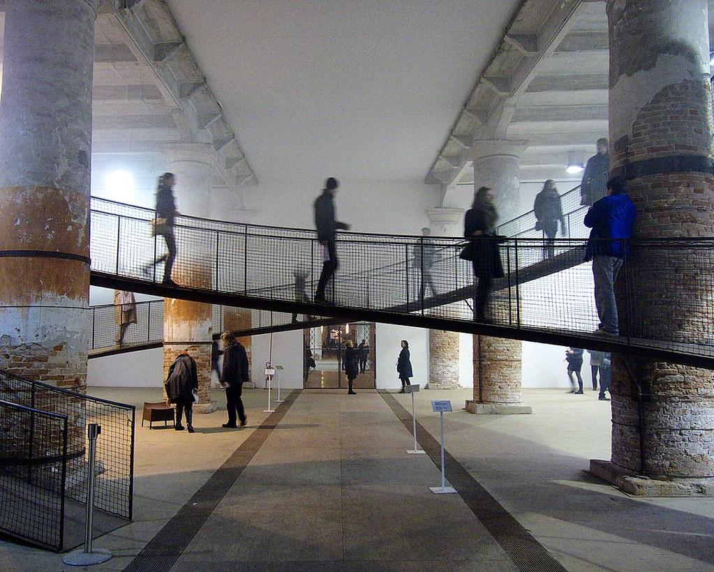 1122px-Cloudscapes,_Transsolar_&_Tetsuo_Kondo_Architects,_Architecture_Biennale_(5177886133)
