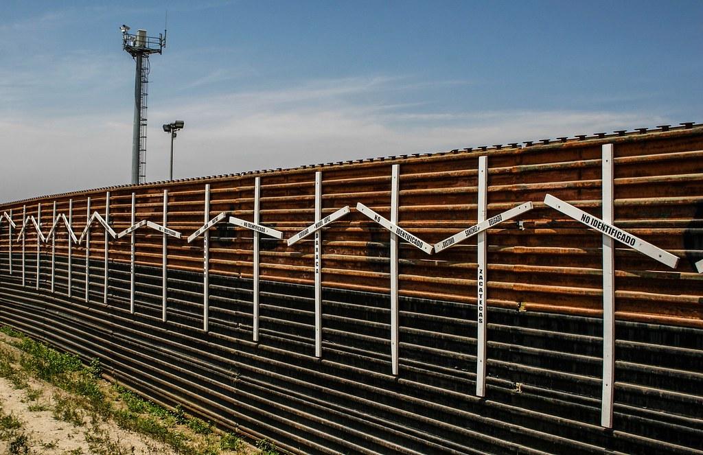 美墨邊境牆。圖片來源:Wikimedia commons