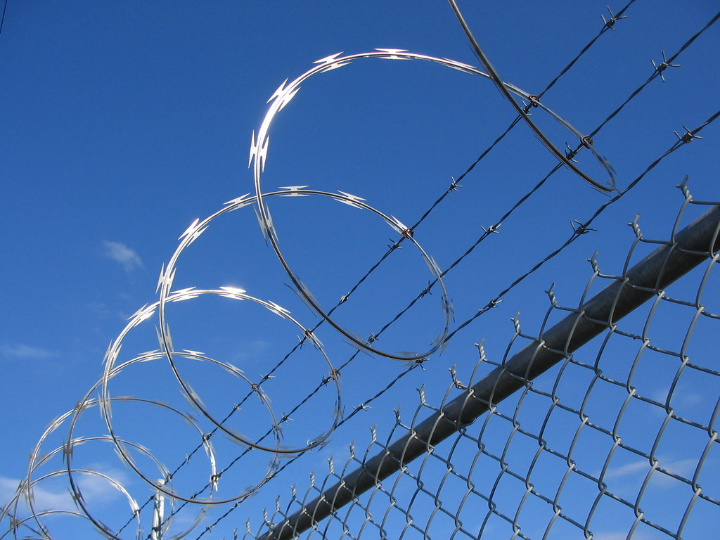 Razor Barbed Wire | What could be odder than the juxtapositi… | Flickr