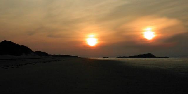 On the beach with voyeurssur la plage avec des voyeurs - 1 part 8