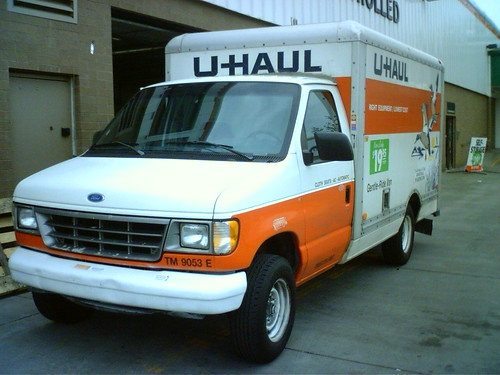 Miniturized 17 Ft Truck This Is Odd And Only An U Haul