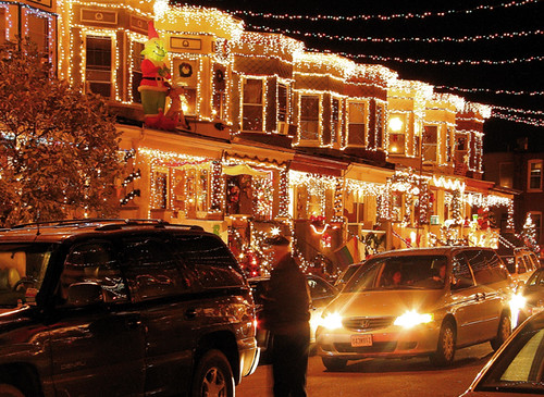 Christmas street in baltimore maryland usa the annual for Where to go for a white christmas in usa