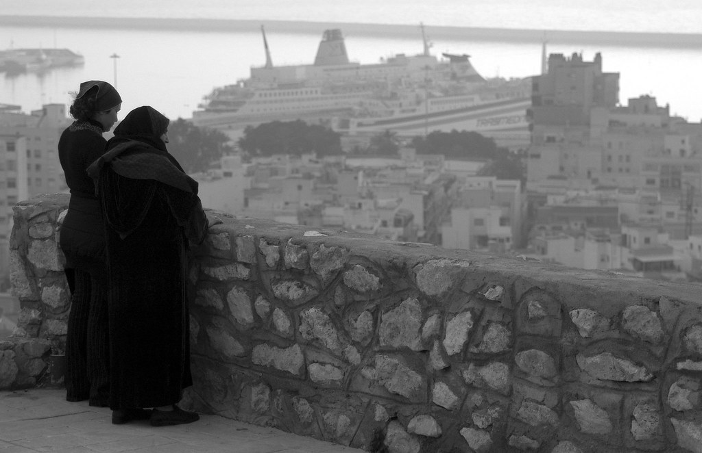 Moroccan Mother Daughter And Ship Almeria Spain Janua Flickr