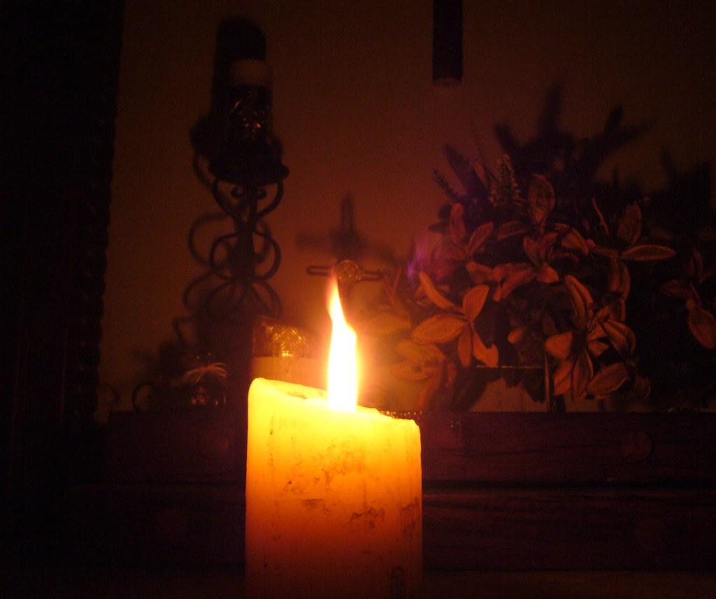 Cirio Pascual | Anoche se fue la luz en casa... Pero la ...