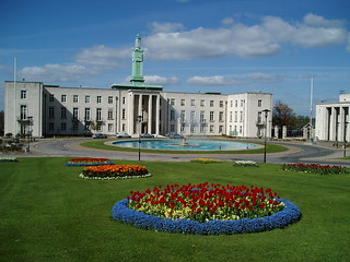 Walthamstow Town Hall in Spring (28 April, 2006) | by captainzep